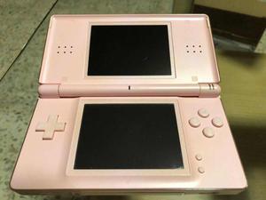 Nintendo ds lite con 7 juegos y accesorios