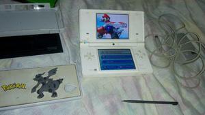 Nintendo dsi blanco con juegos carcasa neo geo kof r4