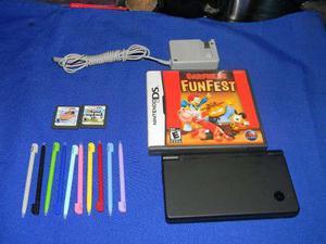 Nintendo dsi con cargador, 3 juegos y 10 stylus de regalo