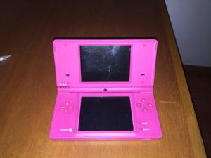 Nintendo dsi rosa con tarjeta de juegos