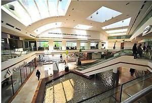 Skg asesores renta local comercial en plaza victoria 20 m2 /