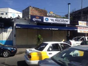 Local comercial en renta en col. centro velázquez de león.