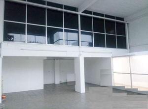 Edificio en renta en avenida lázaro cárdenas. /