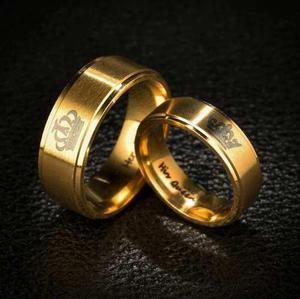 Anillos compromiso rey y reina dorados acero inoxidable par