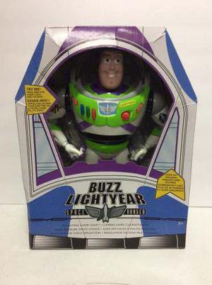 Figura de toy story buzz lightyear con sonidos disney store c7e481b24b5