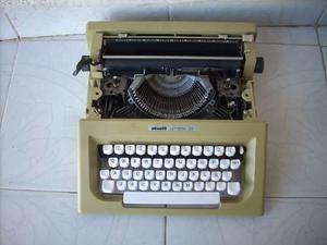 Antigua maquina de escribir lettera 25 para decoracion