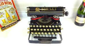 Antigua máquina de escribir inglesa barlet colección