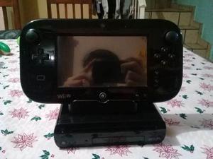 Wii u con wii remote, control gamecube, 2 amiibo y 7 juegos