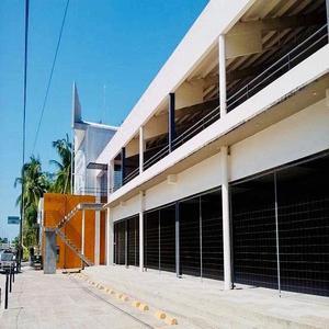 Planta baja en renta de locales comerciales en puerto