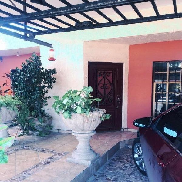 Casa en venta en $1'450'000 col.olivares al norte libre de