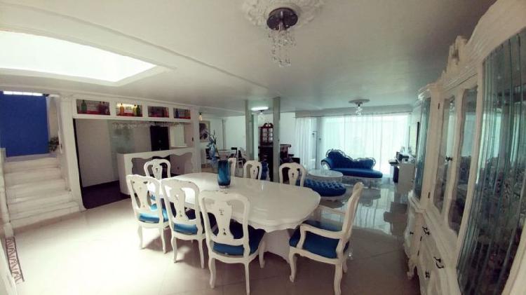 Casa amueblada en venta en playa caleta, iztacalco. /