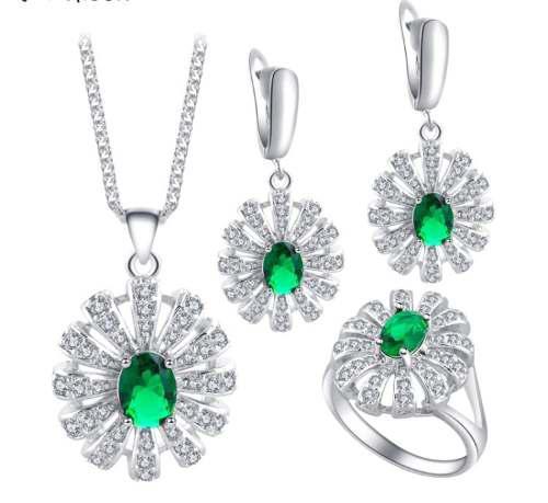 ffb7d9cf3252 Aretes collar anillo plateado cristales esmerald caja talla7