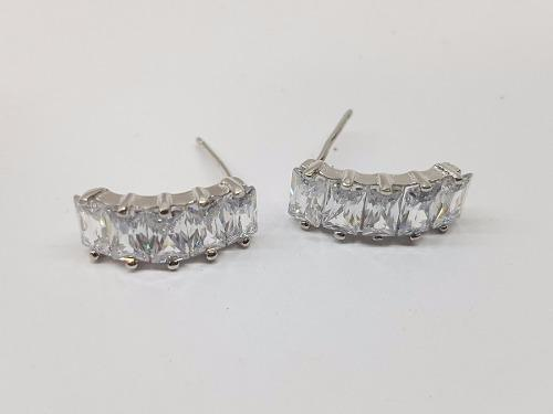 e15e86268661 Aretes con zirconias baguett plata ley