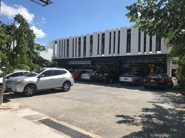 Local comercial sobre avenida yucatán /