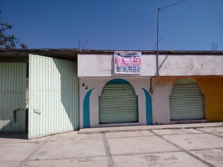 Rento locales comerciales y salón con estacionamiento cerca