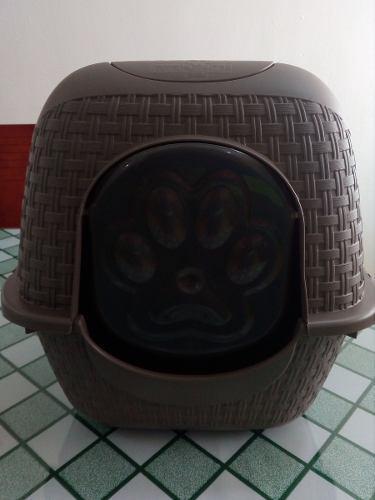 Arenero para gato con tapa, puerta, pala y filtro italiana.