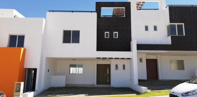 Casa en venta campo azul (gran peñon) con terraza