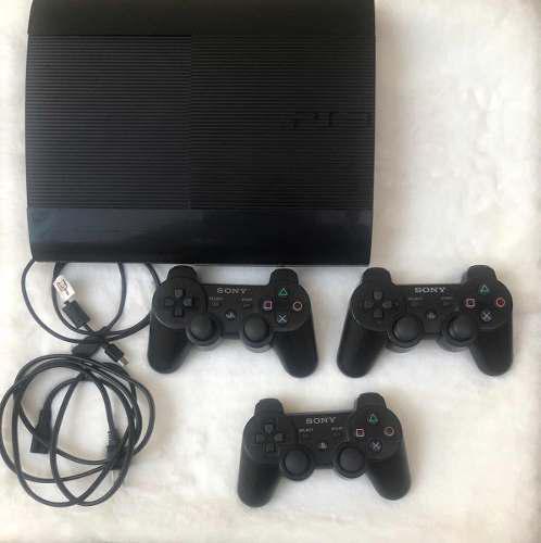 Ps3 súper slim 500 gb con caja y 33 juegos y 3 controles
