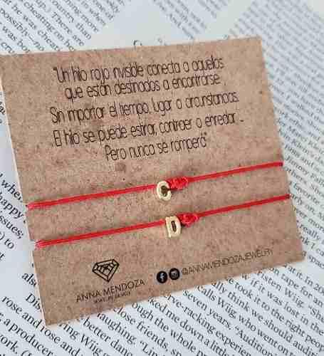 Set pulseras hilo rojo inicial y nudo eterno