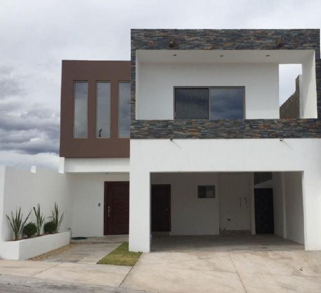 Moderna casa en venta en residencial valdivia