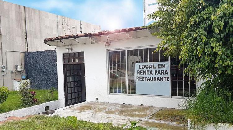 Amplio local para restaurante bar, en la paz son 250m2.