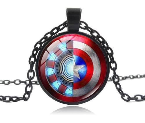 Dije con cadena avenger ironman y capitán américa civil
