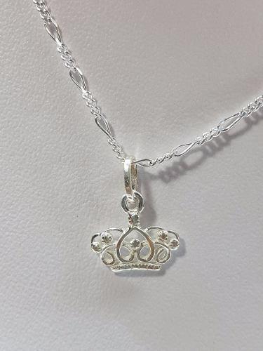 a5084b611bb2 Dije de corona en plata ley.925 incluye cadena joyeria en México ...