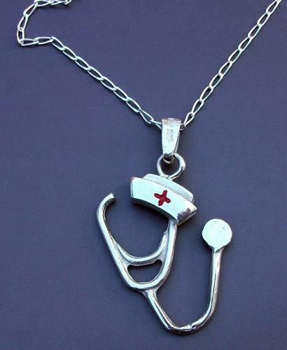Plata cadena y dije cruz roja estetoscopio cofia enfermera