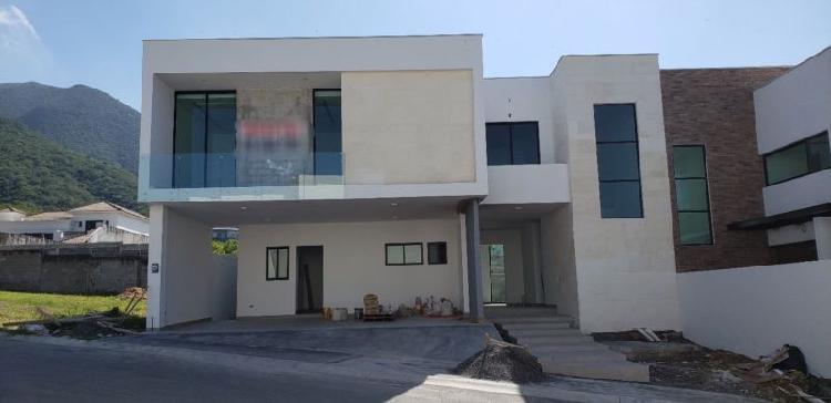 Casa en venta catujanes carretera nacional monterrey /