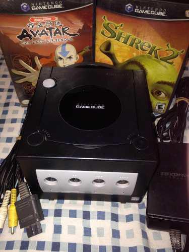 Game cube + cables originales + juegos - sin control