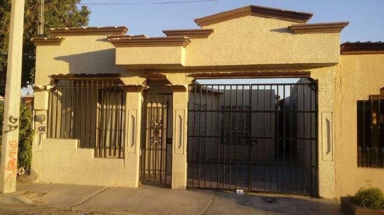 Rento casa economica en villa florida.