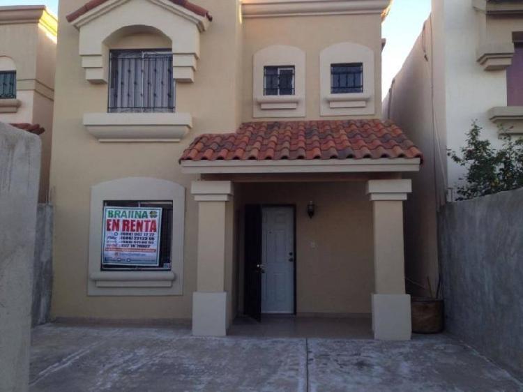 Rento casa en residencial privado, 3 recamaras, zona este.