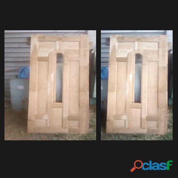 Puerta nueva de madera de cedro rojo