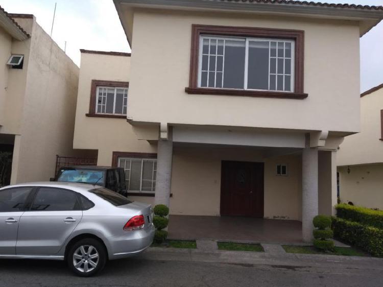 Casa renta en condominio en metepec