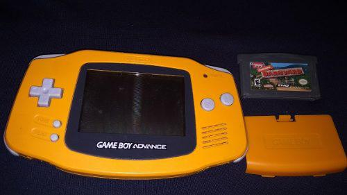 Gameboy advance naranja con tapa y juego
