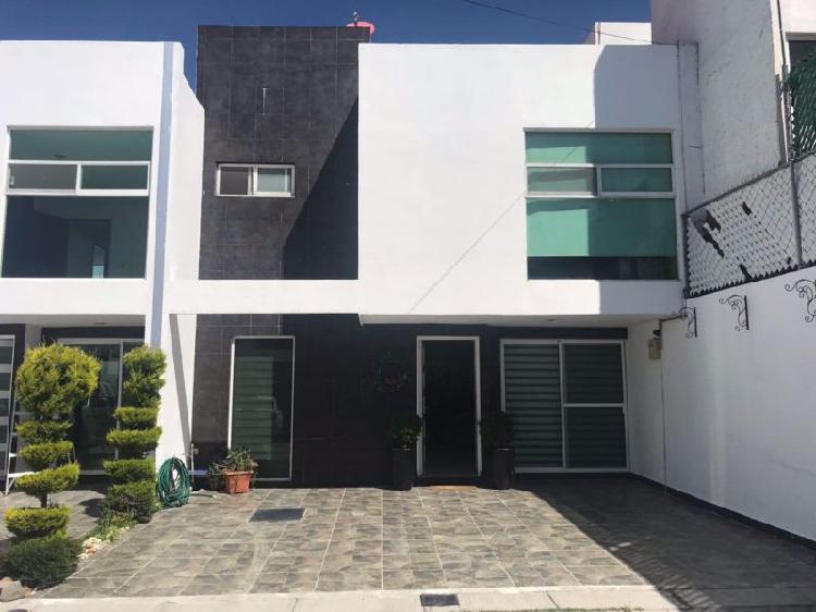 Casa semi nueva en venta en san juan cuautlancingo y