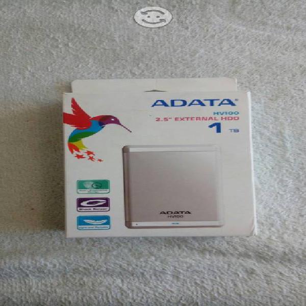 Disco duro portatil adata 1tb de memoria