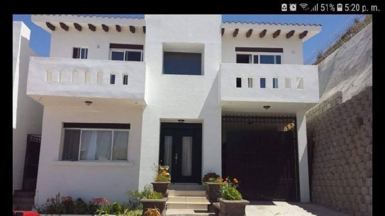 Rento casa en privada vista al mar 4 recamaras