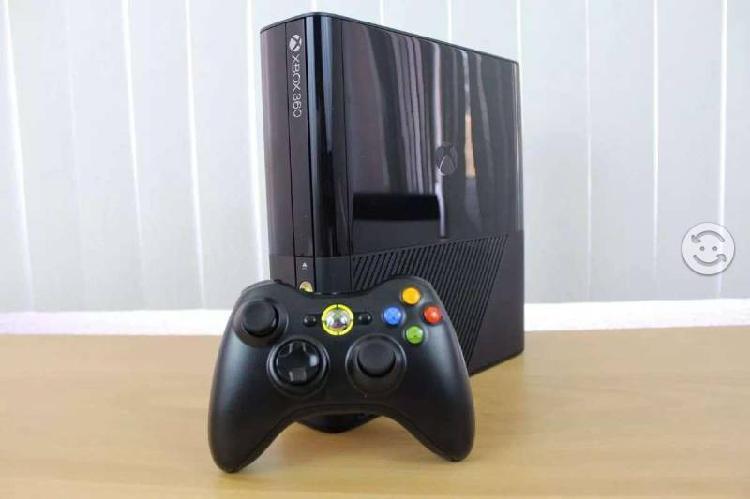 Xbox 360 slim e 4gb