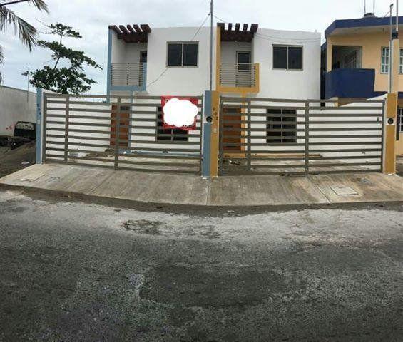 Oportunidad de 2 bonitas viviendas en playa linda