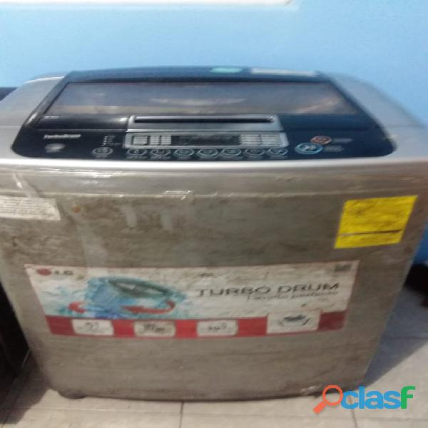 Venta de Lavadora LG Turbo Drum Gris 16 Kgs usada