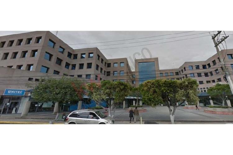 Oficina en renta, edificio 5 estrellas oficina 111