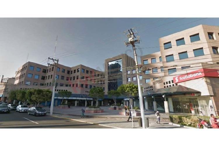 Oficina en renta, edificio 5 estrellas oficina 114