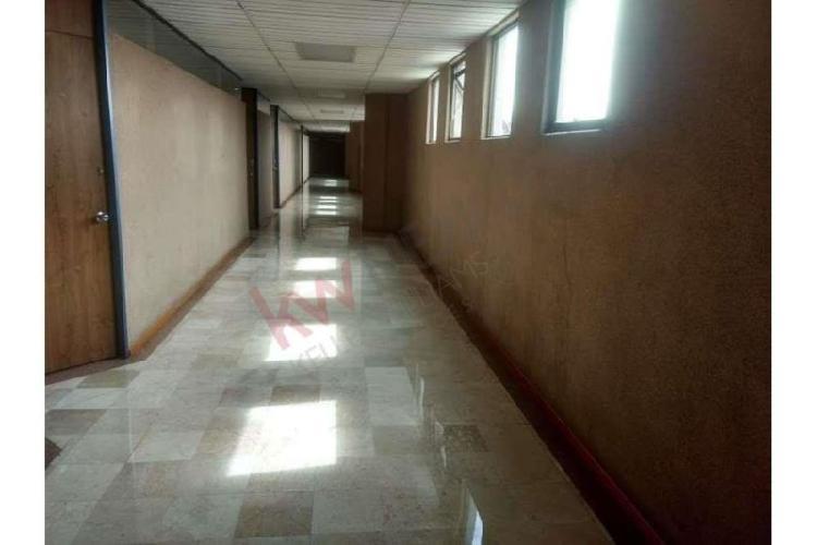 Oficina en renta, edificio 5 estrellas oficina 502