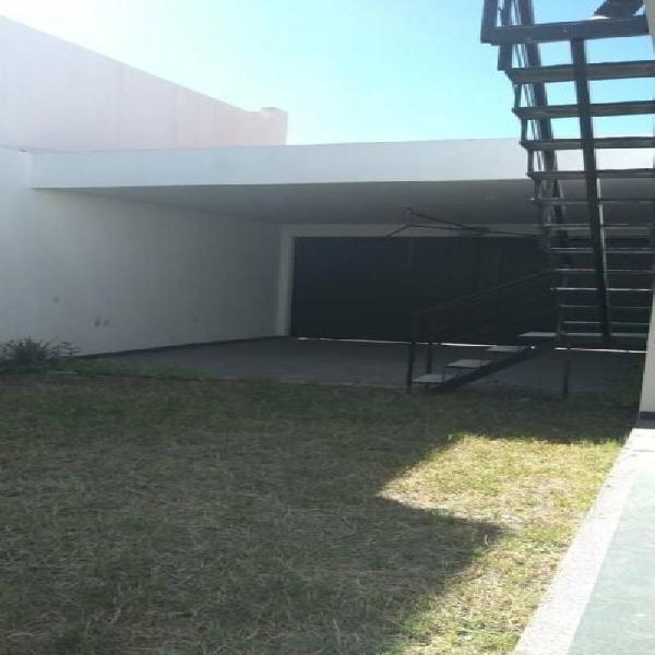 Casa moderna de 1 planta en cañada del refugio norte /