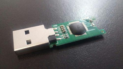 Memoria usb baja capacidad chip y carcasa sin ensamblar