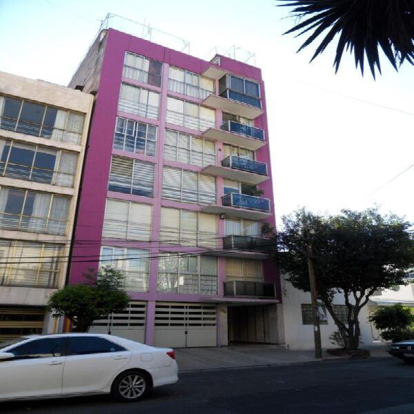 Departamento en venta, remodelado, en primer piso y en la