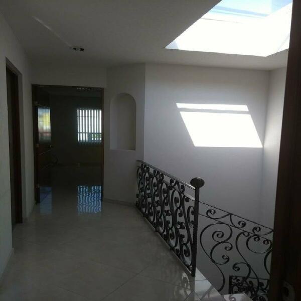 Se renta casa en hacienda guadalupe