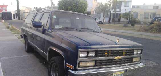 Vendo camioneta chebrolet suburban modelo 1989 en 26,000 en