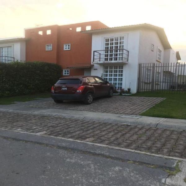 Casa renta villas del campo /